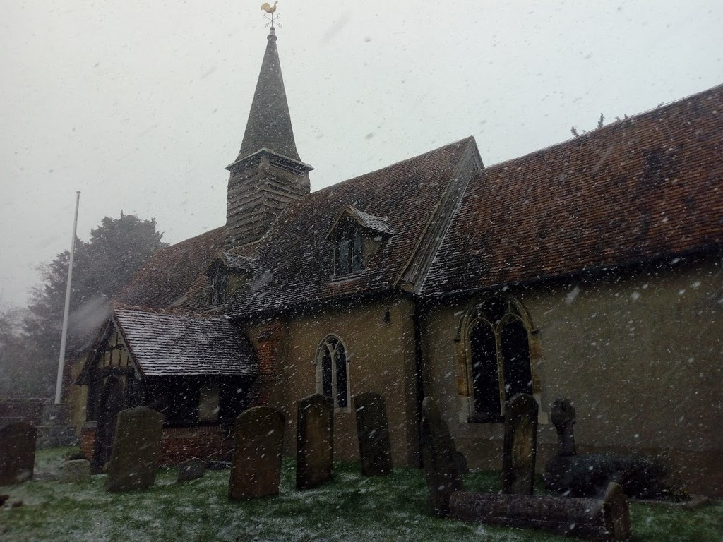 Snow around St Giles Church Ickenahm